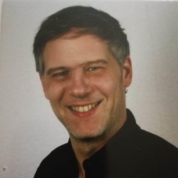 Dr. Niko Näther